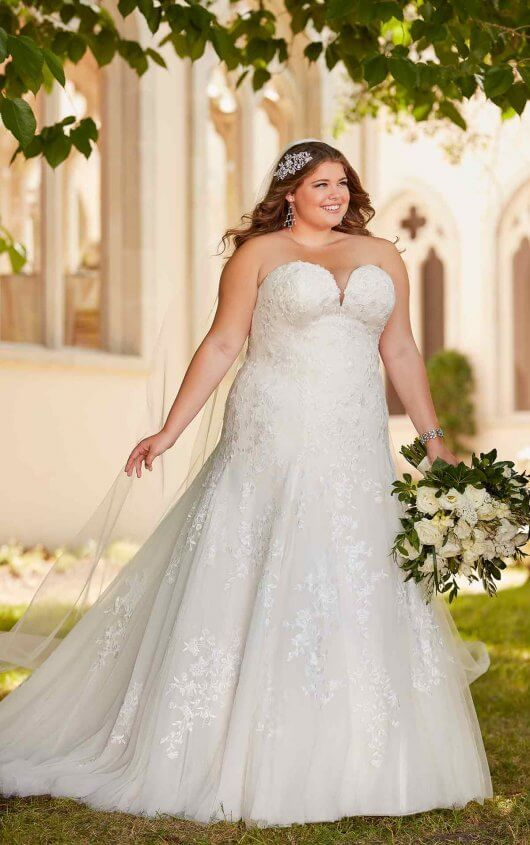 6680 – Stella York Plus Size