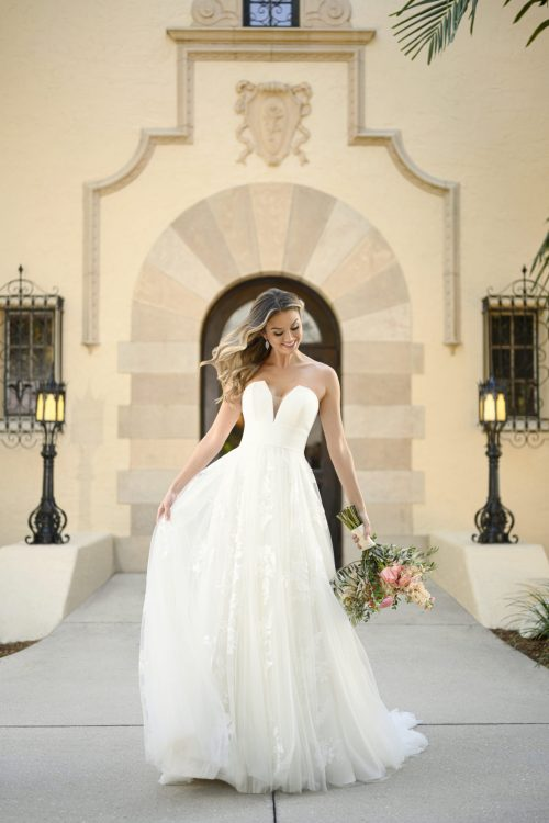 7076 - Stella York Wedding Gown