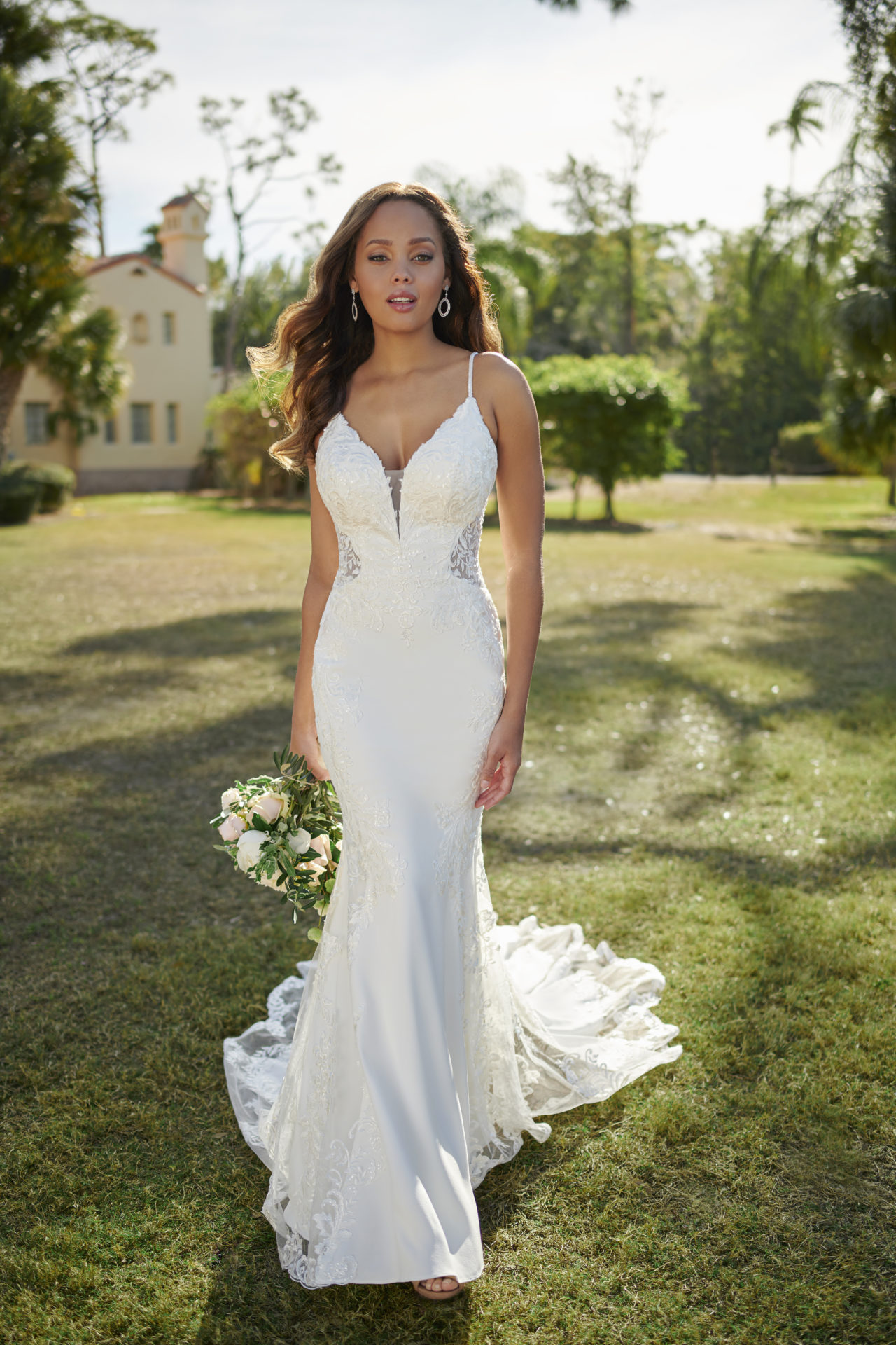 7118 - Stella York Sexy Wedding Gown