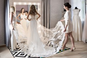 11 Questions To Ask While Wedding Dress Shopping